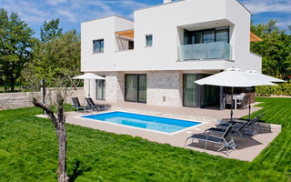 Luxury Villa with Pool near Umag