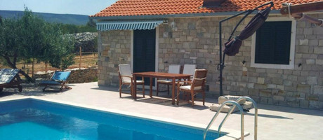 Stone villa with pool in Postira on island Brac