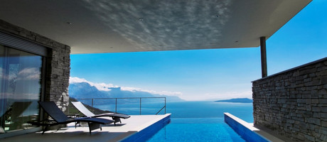 Modern Villa with Heated Infinity Pool and Impressive Panoramic Sea View