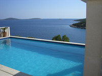 Beautiful Three Bedroom House with Swimming Pool near Trogir